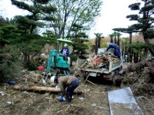 宮城県岩沼市の民家の瓦礫撤去を実施